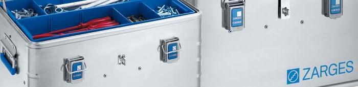 Die stabile und leichte Zarges Werkzeugkiste mit den markant blauen Ecken.